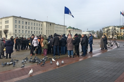 Brest citizens peacefully protesting